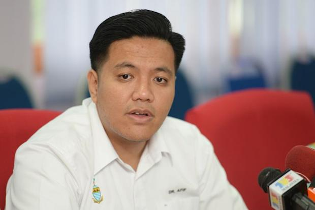 PKR Deputy Youth Chief Afif Bahardin revealed a voice recording alleging the abuse of votes in the Permatang Pauh constituency. — Picture by KE Ooi