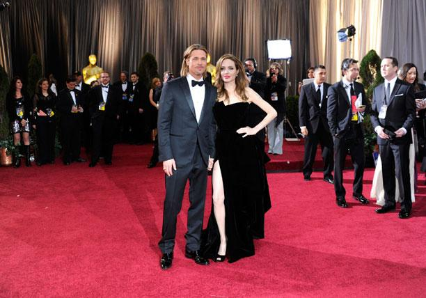 Brad Pitt and Angelina Jolie arrive at the 84th Annual Academy Awards held at the Hollywood & Highland Center on February 26, 2012 in Hollywood, California. (Photo by Ethan Miller/Getty Images)