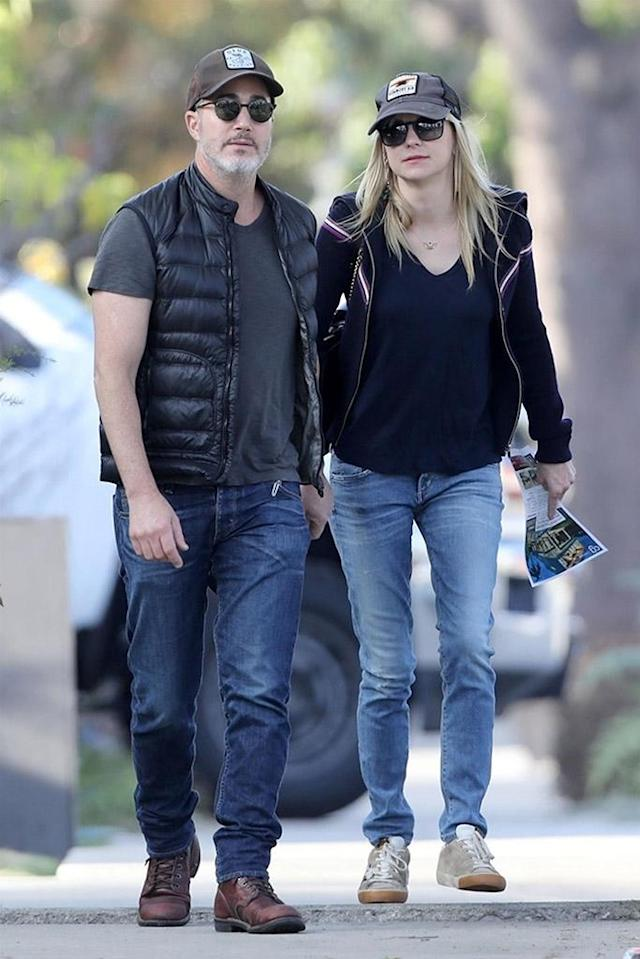 <p>Moving on and out! Two days after Chris Pratt filed for divorce from his wife, Anna Faris was seen house hunting with her new boyfriend in Los Angeles on Sunday. The two were looking at homes with a price tag of around $3,565,000 according to a flyer that Anna held. (Photo: Backgrid)<br><br></p>