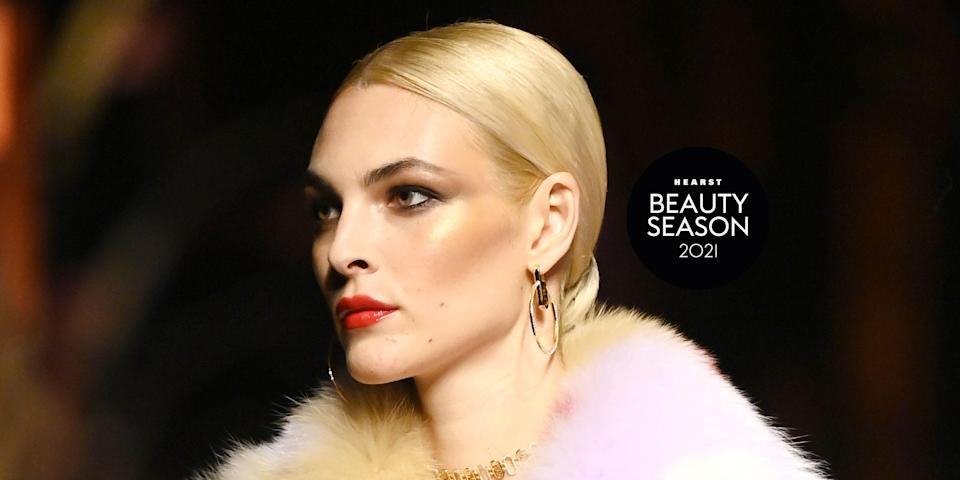 """<p>Whether it's two-tone pink and red lipstick, a healthy glow so extreme you're basically applying moon dust to your skin, or black lashes and plastic bug eyes a la old school Gareth Pugh, these are the hottest <a href=""""https://www.elle.com/uk/beauty/make-up/g32005927/makeup-trends/"""" rel=""""nofollow noopener"""" target=""""_blank"""" data-ylk=""""slk:make-up looks"""" class=""""link rapid-noclick-resp"""">make-up looks </a>sashaying down the runways at fashion week SS22.</p><p>From Burberry and Christopher Kane, to Valentino and Jeremy Scott, we've got every major make-up look and trend to inspire you for Spring 2022 and a whole new season.</p>"""