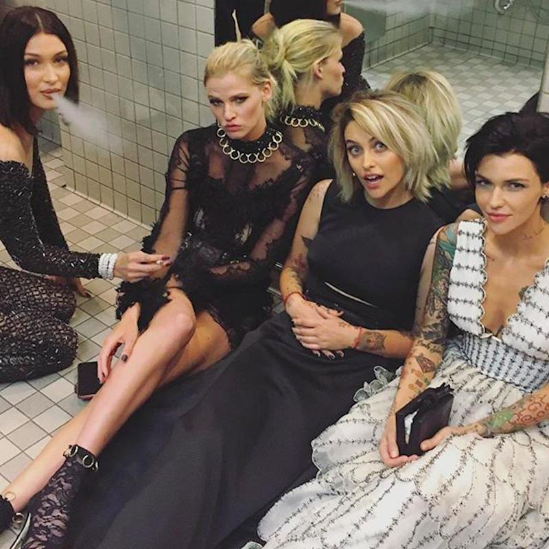 The Real Met Gala Party Takes Place in the Bathroom