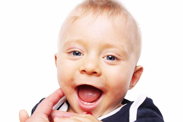 Teething 101: What to expect when your baby sprouts those pearly whites