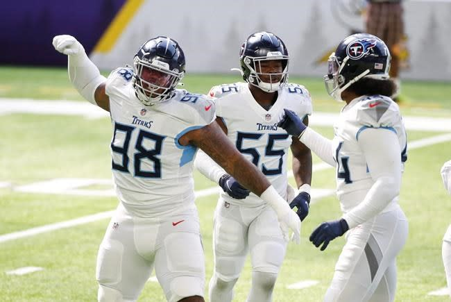 Tenacious Titans keep finding plays, ways to stay undefeated
