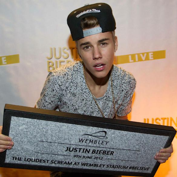 Justin Bieber Vows To Return To UK After Nightmare Week: 'I Will Be Back'