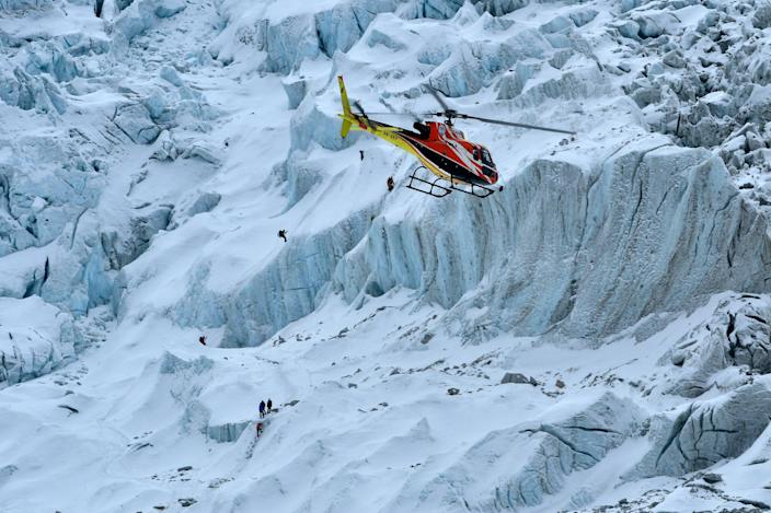 helicopter everest