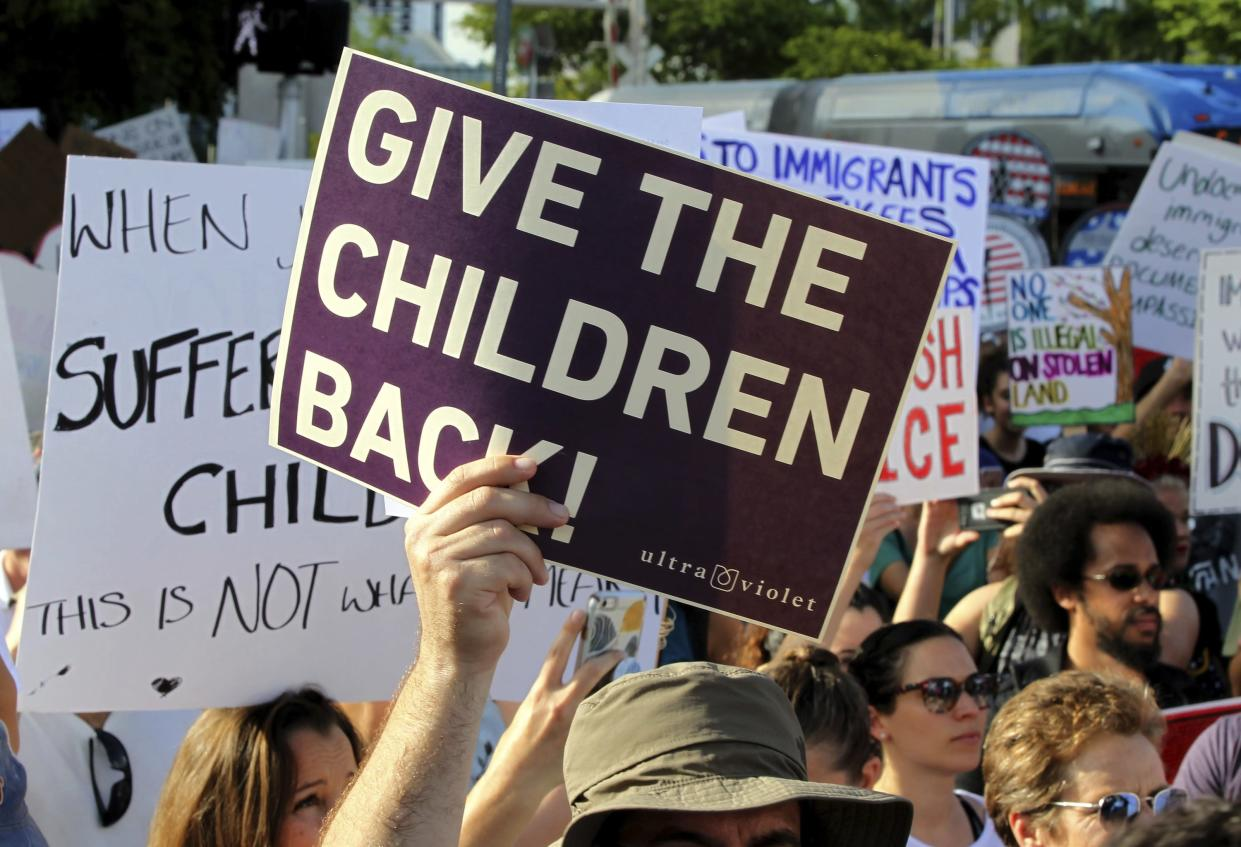 Pro-immigrant and community groups in Miami protest the separation of immigrant children from their families, June 30, 2018. (Photo: Miami Herald via AP)