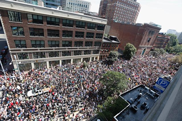<p>Thousands of counter protesters march to a planned 'Free Speech Rally' on Boston Common on Aug. 19, 2017 in Boston, Mass. (Photo: Scott Eisen/Getty Images) </p>