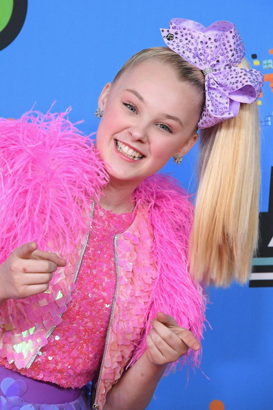 "<p><strong>Real name:</strong> <a href=""https://people.com/music/jojo-siwa-career-in-photos"" rel=""nofollow noopener"" target=""_blank"" data-ylk=""slk:Joelle Joanie Siwa"" class=""link rapid-noclick-resp"">Joelle Joanie Siwa</a></p><p><em>People</em> reported what JoJo's real name is, which would explain where the nickname ""JoJo"" came from.</p>"