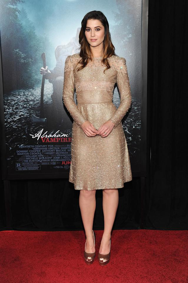 """NEW YORK, NY - JUNE 18:  Actress Mary Elizabeth Winstead attends the """"Abraham Lincoln: Vampire Hunter"""" premiere at AMC Loews Lincoln Square on June 18, 2012 in New York City.  (Photo by Larry Busacca/Getty Images)"""