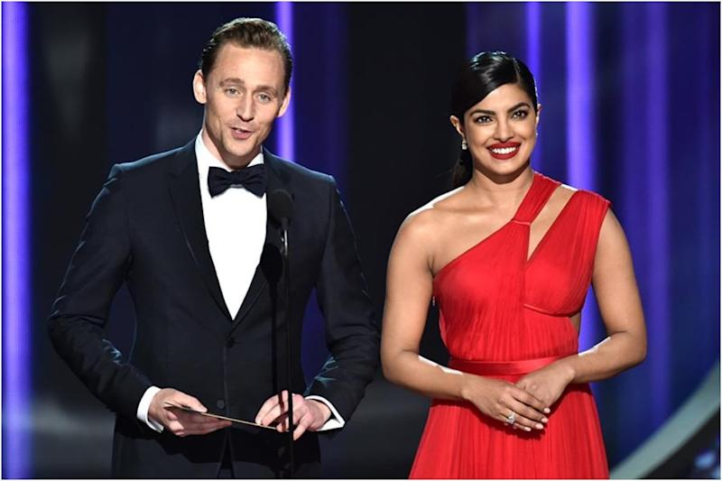 Priyanka Chopra's Candid Pics with Tom Hiddleston Go Viral