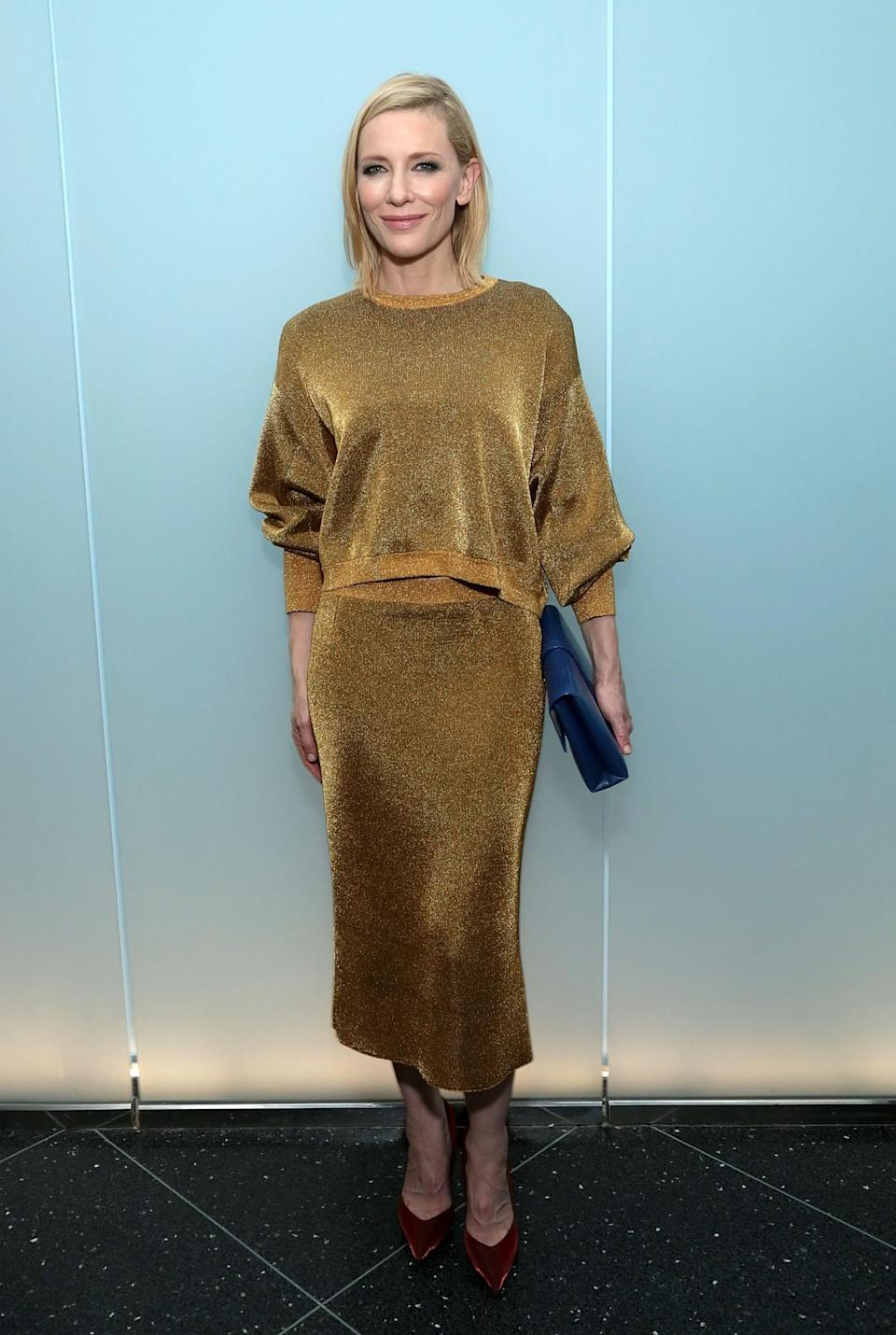 <p>Another great, slouchy (and comfortable) ensemble that covers all manner of lumps and bumps – not that Cate Blanchett has any of either! [Photo: Getty] </p>