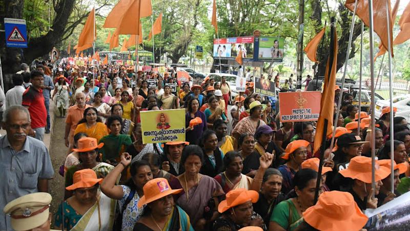 Sabarimala Temple Gates to Shut Today, Last Attempt for Women to Enter Sanctum Sanctorum