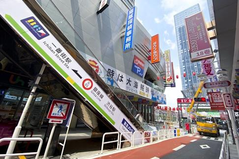 Buildings have been fitted with signboards written in Japanese. Photo: He Huifeng