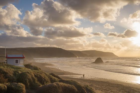 Sunset at Widemouth Bay in Devon, just a 20-minute drive away from Holsworthy (istock)