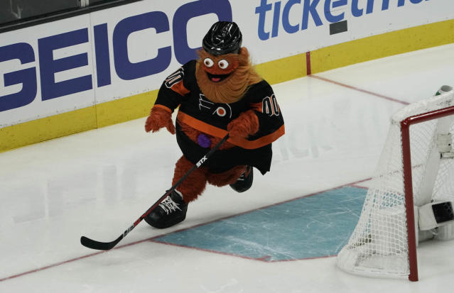 Philadelphia Flyers mascot Gritty will be hosting a 5K charity run. (Stan Szeto-USA TODAY Sports)
