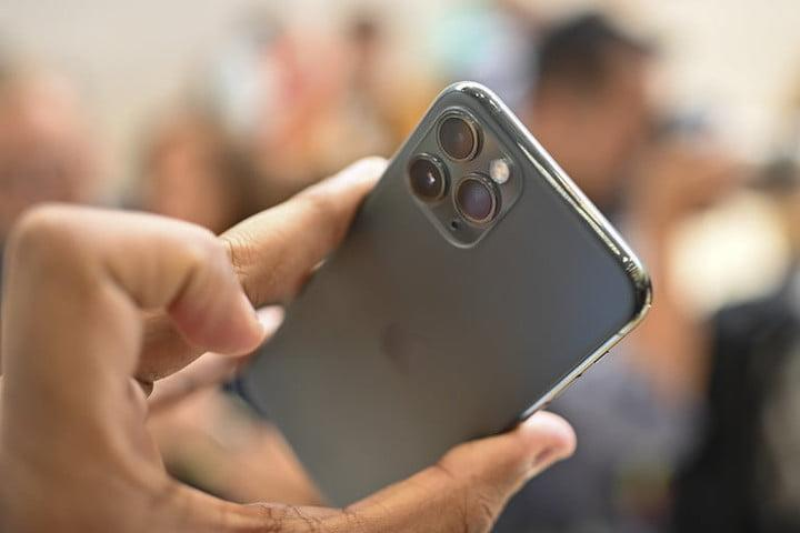 iphone 11 pro max review apple hands on jc camera lenses 1
