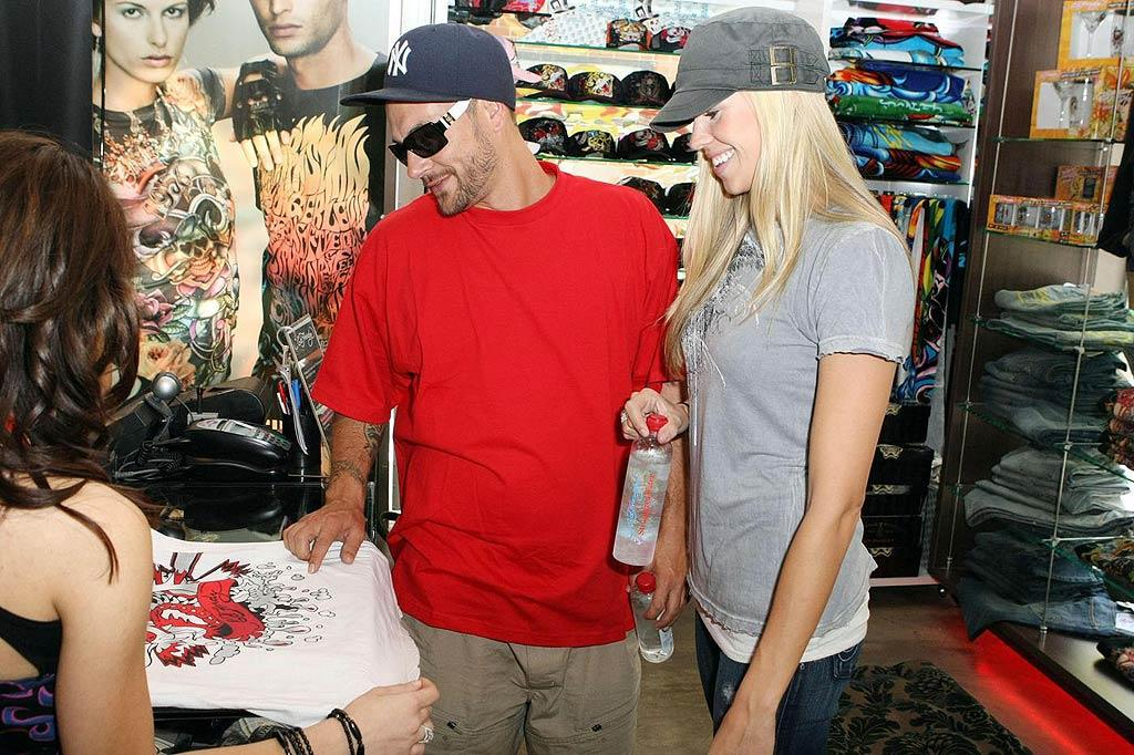 """Look out, Jon Gosselin! Kevin Federline is making appearances in Ed Hardy stores! <a href=""""http://www.pacificcoastnews.com/"""" target=""""new"""">PacificCoastNews.com</a> - November 27, 2009"""