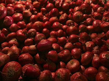 Govt decides to lift 6-month old ban on onion exports; prices expected to fall sharply due to bumper rabi crop