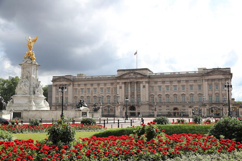 LONDON, ENGLAND - JUNE 18: A general view of Buckingham Palace on June 18, 2020 in London, England. L'Appel du 18 Juin (The Appeal of 18 June) was the speech made by Charles de Gaulle to the French in 1940 and broadcast in London by the BBC. It called for the Free French Forces to fight against German occupation. The appeal is often considered to be the origin of the French Resistance in World War II. President Macron is the first foreign dignitary to visit the UK since the Coronavirus Lockdown began. (Photo by Chris Jackson/Getty Images)
