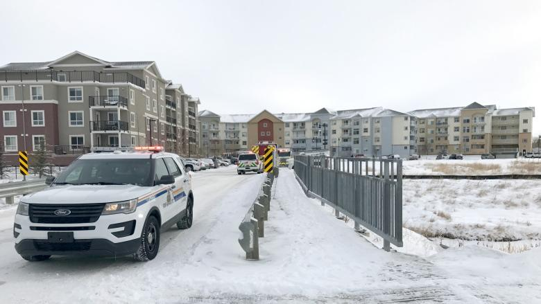Child dies after carbon monoxide leak at Airdrie apartment complex