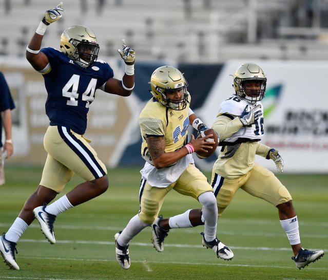 Georgia Tech quarterback Tobias Oliver (18) runs during the NCAA college football team's spring scrimmage Friday, April 20, 2018, in Atlanta. (AP Photo/Mike Stewart)