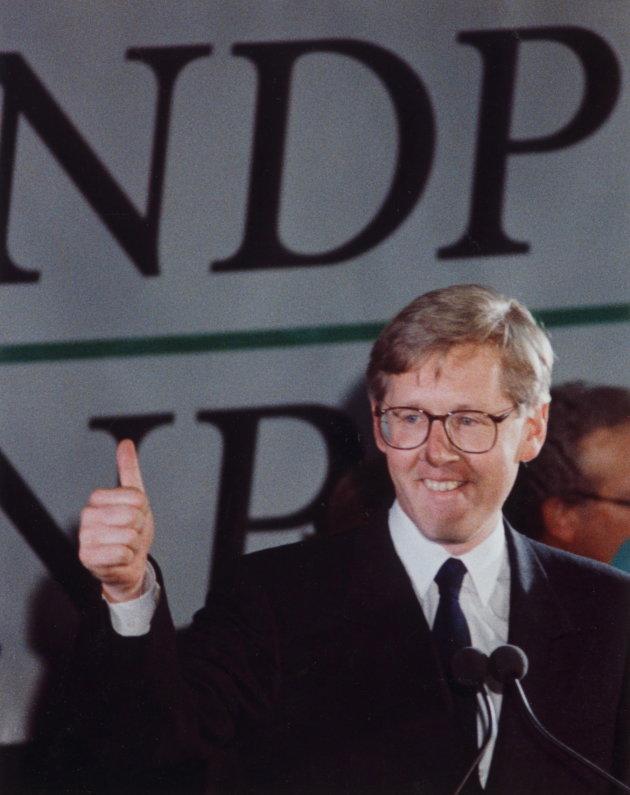 Ontario NDP Leader Bob Rae gives the thumbs up sign after leading his party to victory in the Ontario provincial election, Toronto, Ont., Sept. 7, 1990.