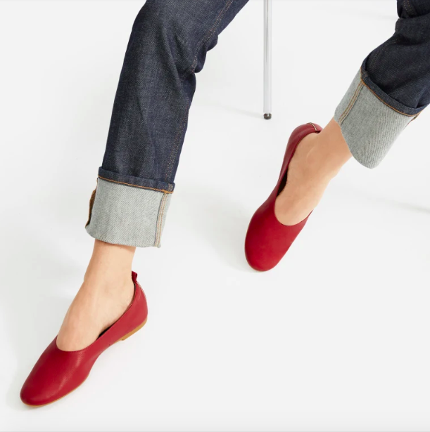 Everlane's Day Glove shoe has 5,600 reviews — and it's 25% off right now.