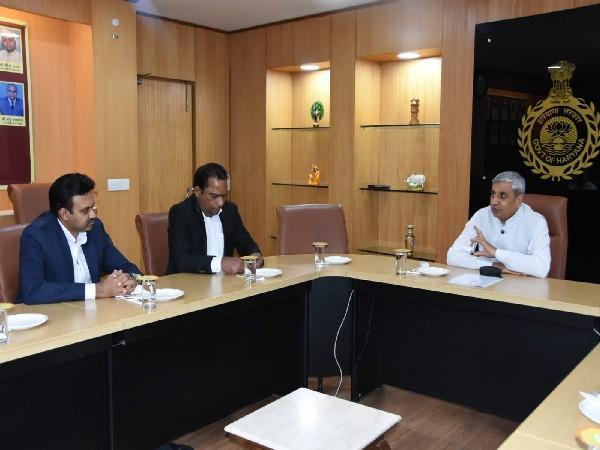 Haryana  Agriculture &  Farmers Welfare holding a meeting with Sri Lankan Minister of State for Backward Rural Development and Coordinating Secretary to the Prime Minister of Sri Lanka