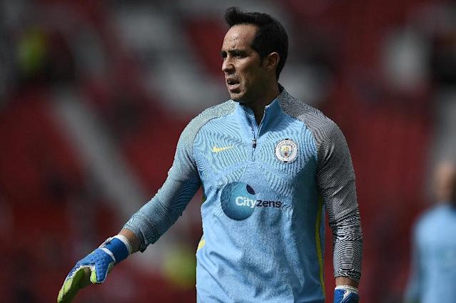 Manchester City's Chilean goalkeeper Claudio Bravo was signed in large part due to his quality on the ball, but he showed serious deficiencies when it came to handling crosses (AFP Photo/Oli Scarff)