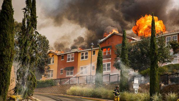 PHOTO: The Tubbs fire tears through the Overlook apartment complex off of Bicentennial Way in Santa Rosa, Calif., Oct. 9, 2017. (Gabrielle Lurie/San Francisco Chronicle/Polaris)