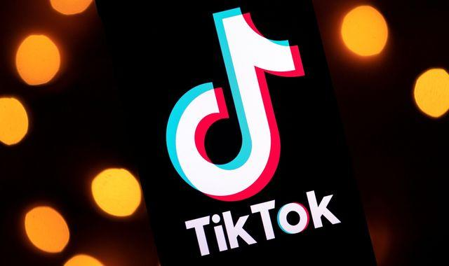 TikTok: Pakistan bans app over 'immoral and indecent' content