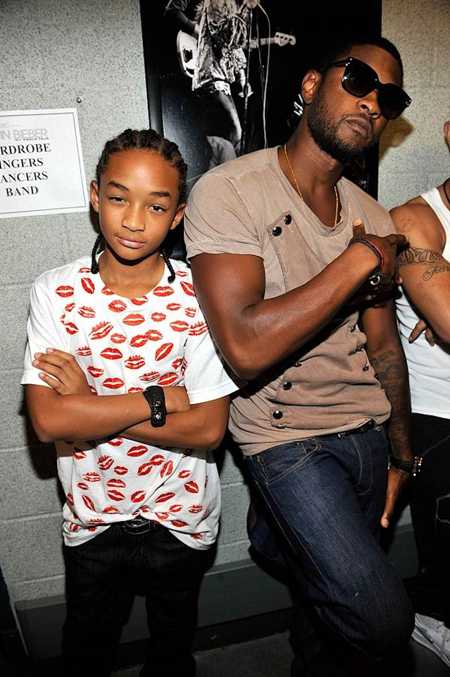 "The young actor also chilled with Usher, who earlier in the night loaned his pipes to Justin's track ""Somebody to Love."" Kevin Mazur/<a href=""http://www.wireimage.com"" target=""new"">WireImage.com</a> - August 31, 2010"