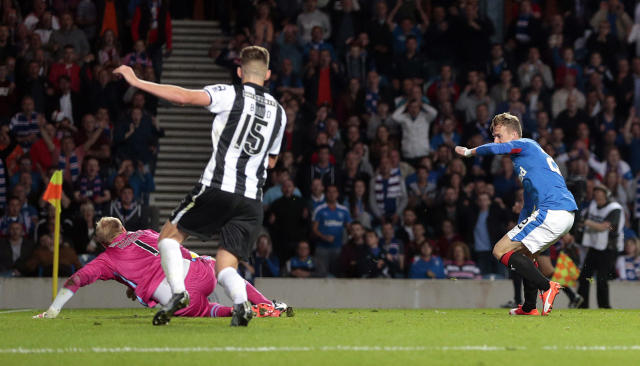 Football - Rangers v St Mirren - Ladbrokes Scottish Championship - Ibrox Stadium - 7/8/15 Rangers' Dean Shiels (R) scores their third goal Action Images via Reuters / Graham Stuart Livepic EDITORIAL USE ONLY.
