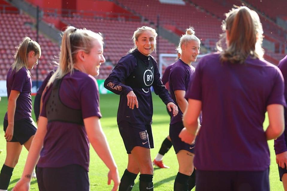 Steph Houghton won't lead the England side this evening (Getty Images)
