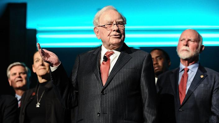 NEW YORK, NY - SEPTEMBER 19:  Philanthropist Warren Buffett (C) is joined onstage by 24 other philanthropist and influential business people featured on the Forbes list of 100 Greatest Business Minds during the Forbes Media Centennial Celebration at Pier 60 on September 19, 2017 in New York City.