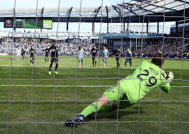 """Before being sent off, <a class=""""link rapid-noclick-resp"""" href=""""/soccer/teams/philadelphia-union/"""" data-ylk=""""slk:Philadelphia Union"""">Philadelphia Union</a> star Marco Fabian had this attempt from the penalty spot stopped by <a class=""""link rapid-noclick-resp"""" href=""""/soccer/teams/sporting-kansas-city/"""" data-ylk=""""slk:Sporting Kansas City"""">Sporting Kansas City</a> keeper Tim Melia. (Jamie Squire/Getty)"""