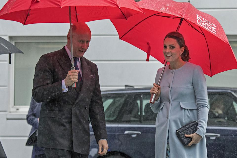Britain's Catherine, Duchess of Cambridge is met by Kings College Chairman Sir Christopher Geidt on her arrival for her visit to The Maurice Wohl Clinical Neuroscience Institute at the Institute of Psychiatry, Psychology and Neuroscience (IoPPN), Kings College London in central London on January 24, 2018.   / AFP PHOTO / POOL / JACK HILL        (Photo credit should read JACK HILL/AFP via Getty Images)
