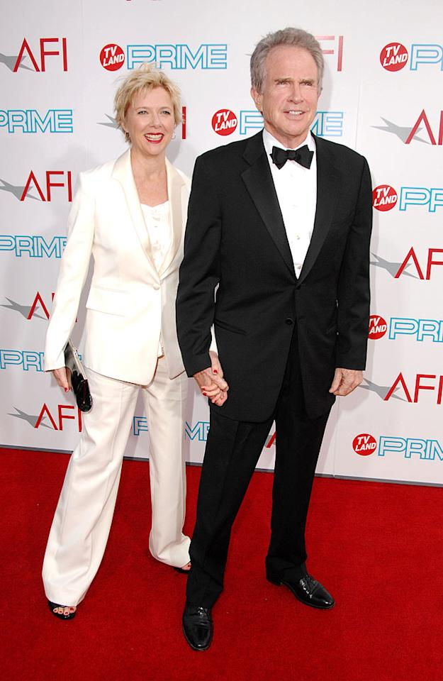 """<a href=""""http://movies.yahoo.com/movie/contributor/1800018624"""">Annette Bening</a> and <a href=""""http://movies.yahoo.com/movie/contributor/1800020836"""">Warren Beatty</a> at the 37th Annual AFI Lifetime Achievement Awards - 6/11/2009"""