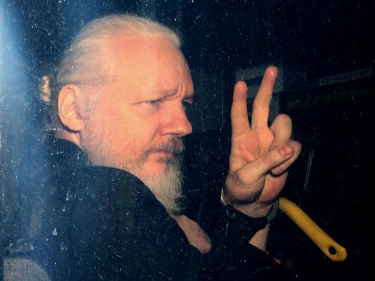 Julian Assange's father says he should be allowed to go back to Australia