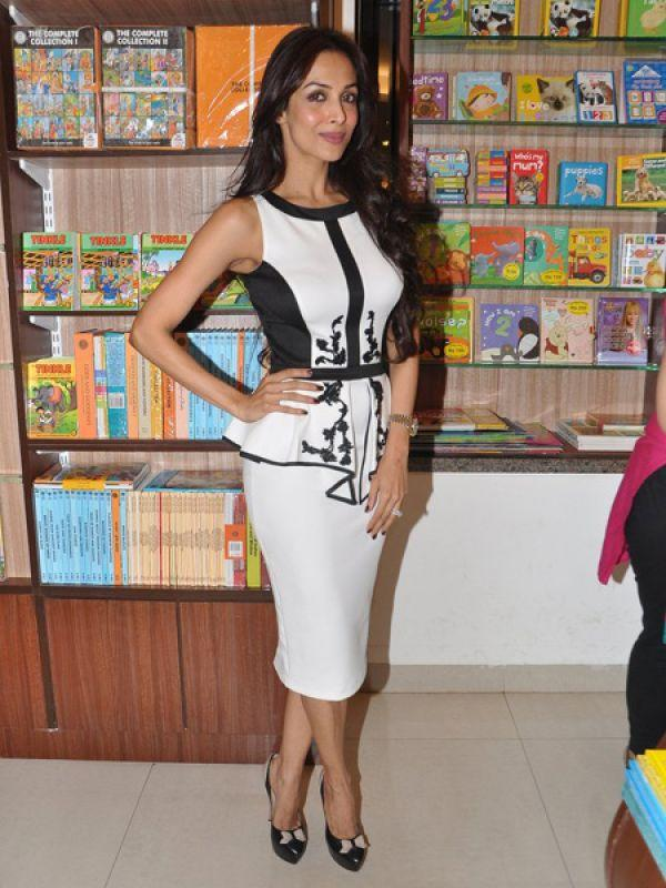 <p><strong>Images via : <a href='http://idiva.com'>iDiva.com</a></strong></p><p><strong>Malaika Arora Khan</strong>: She may have the hottest bod in the industry, but her feet look ugly with those veins.</p><p><strong>Related Articles - </strong></p><p><a href='http://idiva.com/photogallery-style-beauty/celeb-trend-bright-lip-colours/15994' target='_blank'>Celeb Trend: Bright Lip Colours</a></p><p><a href='http://idiva.com/photogallery-style-beauty/celebrities-who-did-not-age-gracefully/20171' target='_blank'>Celebrities Who Did Not Age Gracefully</a></p>