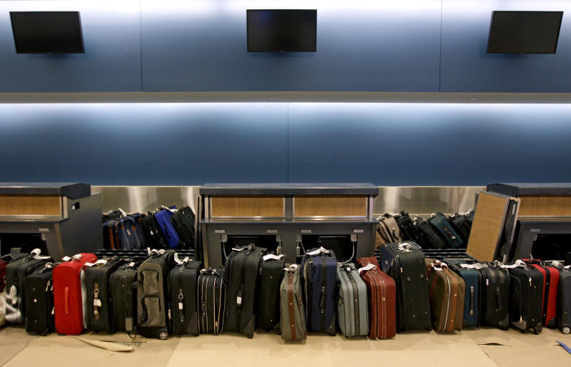 Airlines collected record baggage fees in 2012