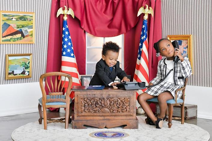 """The Details in This Photographer's """"Presidential"""" Kids Photo Shoot Are Just Incredible"""