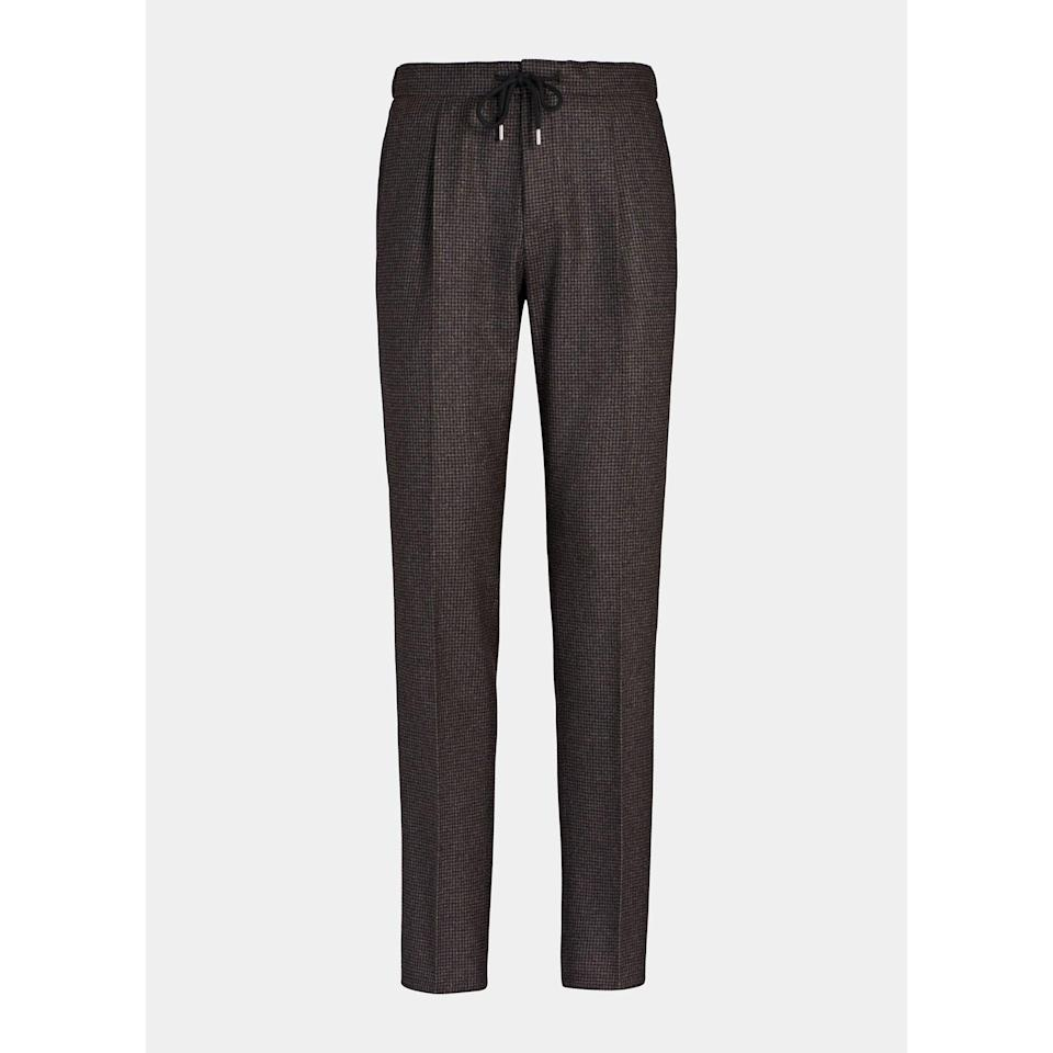 """<p><strong>Suitsupply</strong></p><p>suitsupply.com</p><p><strong>$199.00</strong></p><p><a href=""""https://go.redirectingat.com?id=74968X1596630&url=https%3A%2F%2Fsuitsupply.com%2Fen-us%2Fmen%2Ftrousers%2Fbrown-drawstring-ames-trousers%2FB1264I.html&sref=https%3A%2F%2Fwww.esquire.com%2Fstyle%2Fmens-fashion%2Fg34578546%2Fdrawstring-pants-for-men%2F"""" rel=""""nofollow noopener"""" target=""""_blank"""" data-ylk=""""slk:Shop Now"""" class=""""link rapid-noclick-resp"""">Shop Now</a></p>"""