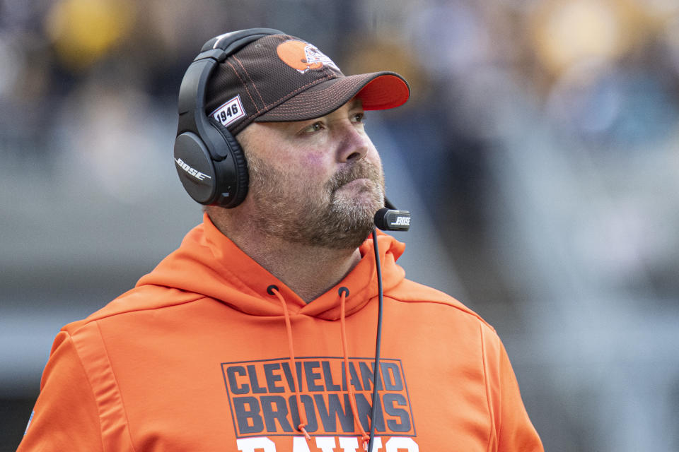 """Freddie Kitchens defiantly defended his """"Pittsburgh Started It"""" T-shirt while arguing that his Browns were """"ready to play.""""(Shelley Lipton/Icon Sportswire via Getty Images)"""