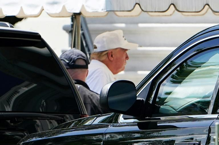 President Donald Trump returns to the White House after golfing at the Trump National club in Sterling, Virginia on May 23, 2020 (AFP Photo/MANDEL NGAN)