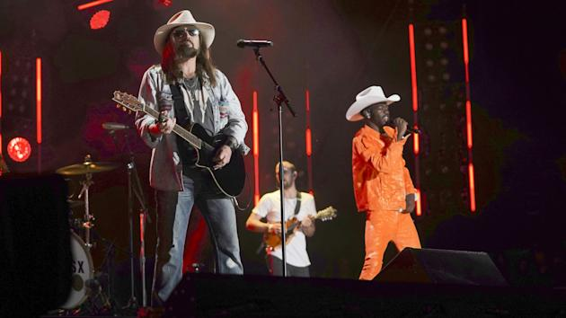 CMA Fest Special Tops 'Big Brother' In Viewers, Gives ABC Sunday Win