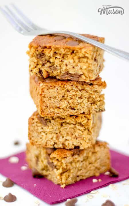 """<p>We love a chocolate chip, who doesn't?! </p><p>Get the <a href=""""https://kitchenmason.com/healthy-chocolate-chip-flapjack/"""" rel=""""nofollow noopener"""" target=""""_blank"""" data-ylk=""""slk:Healthy Chocolate Chip Flapjack"""" class=""""link rapid-noclick-resp"""">Healthy Chocolate Chip Flapjack</a> recipe. </p><p>Recipe from <a href=""""https://kitchenmason.com/"""" rel=""""nofollow noopener"""" target=""""_blank"""" data-ylk=""""slk:Kitchen Mason"""" class=""""link rapid-noclick-resp"""">Kitchen Mason</a>. </p>"""