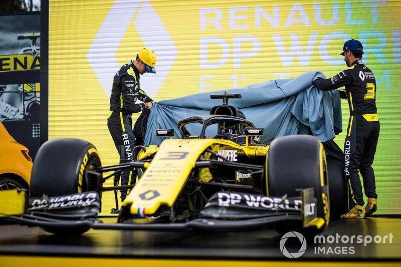 "Esteban Ocon, Renault F1 and Daniel Ricciardo, Renault F1 Team reveal the livery of their Renault F1 Team R.S.20 <span class=""copyright"">Sam Bloxham / Motorsport Images</span>"
