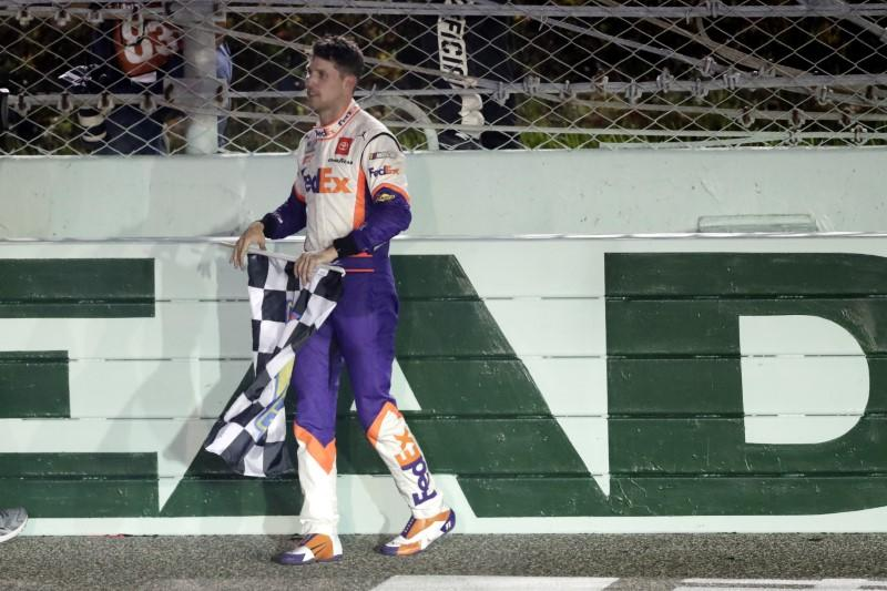 Hamlin nabs another victory in dominating fashion at Homestead