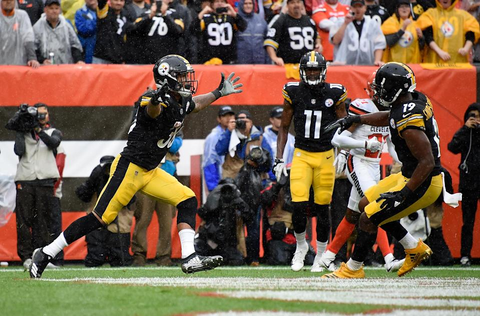 James Conner celebrates his first NFL touchdown with JuJu Smith-Schuster (Getty Images)